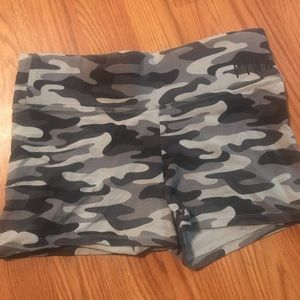 Victoria's Secret Pink camo knit shorts